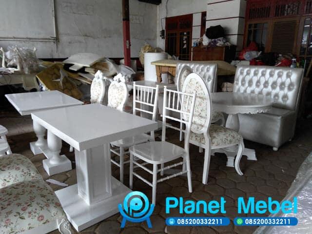 Proyek Cafe Cirebon