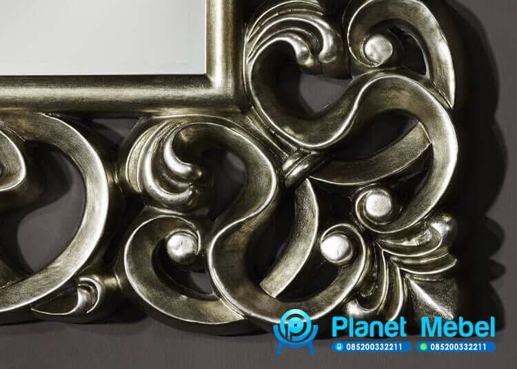 Detail Pigura Cermin Ukir Silver