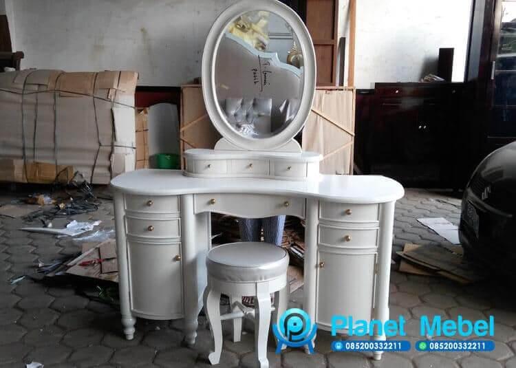 Meja Rias Putih Chamonic Terbaru
