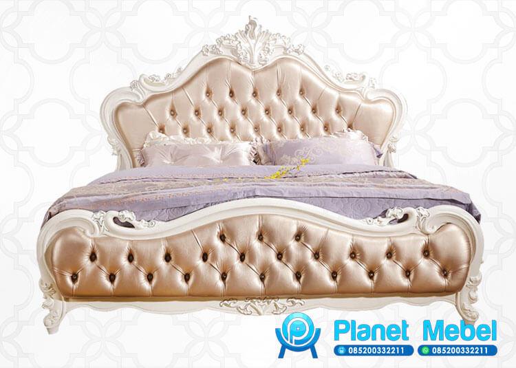 Tempat Tidur Ukir Klasik Warna Putih